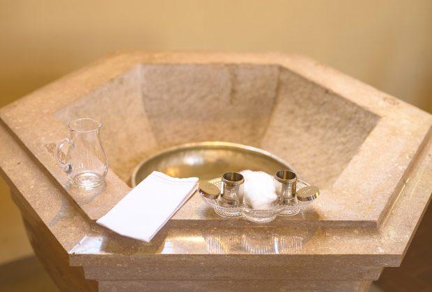 Przygotowania do chrztu dziecka — co trzeba wiedzieć