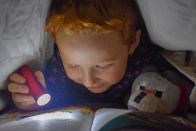 Budowanie z klocków, puzzle, oglądanie filmów.... co robić z dzieckiem aby dobrze się bawić